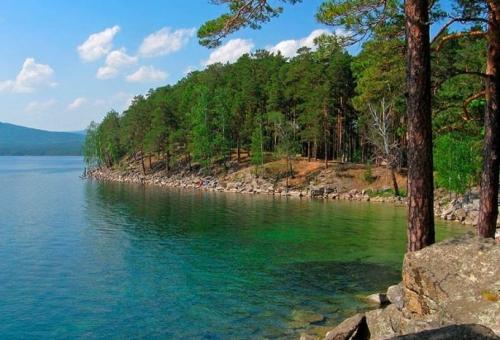 Для рыбалки самое то! В рейтинг наиболее посещаемых вошло озеро Абаткуль, расположенное в Красноармейском районе
